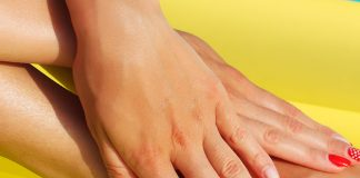 remove tan from hands